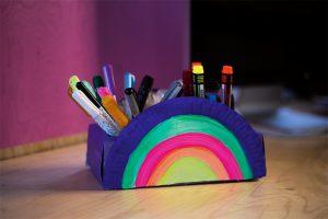 Regenbogen Stiftebox DIY basteln Schreibtisch