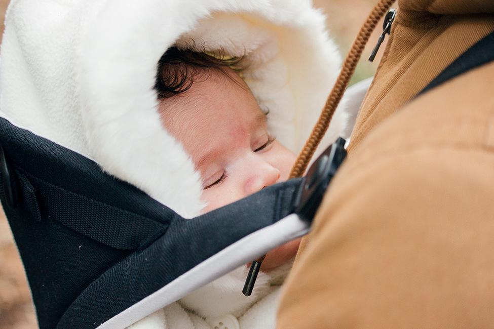 Baby im Winter tragen kleiung