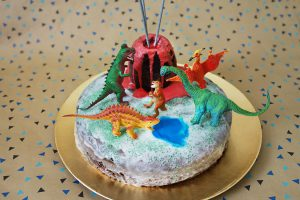 kuchen dinosaurier geburtstag kindergeburtstag dino