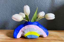 Regenbogenvase aus Modelliermasse DIY Regenbogen