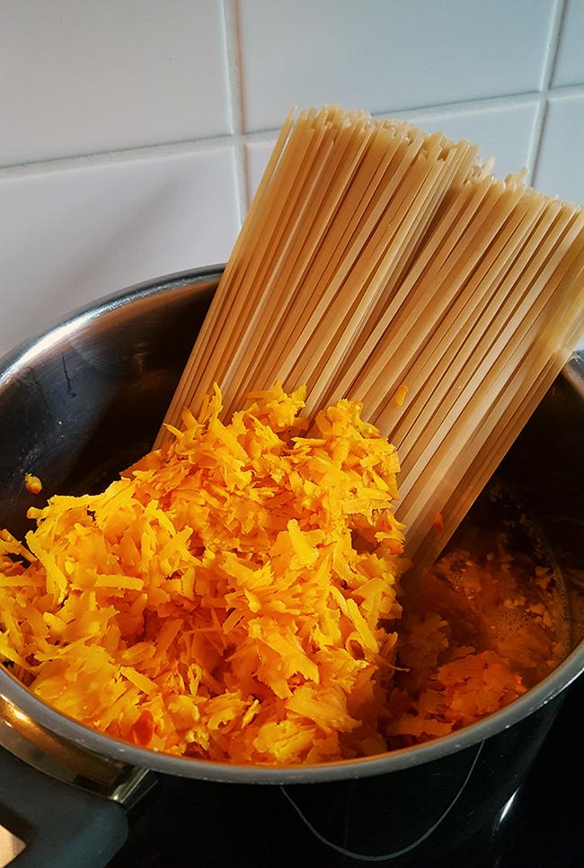 One Pot Pasta Kürbis Rezept